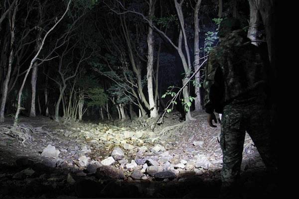 g700tacticalmilitaryflashlight